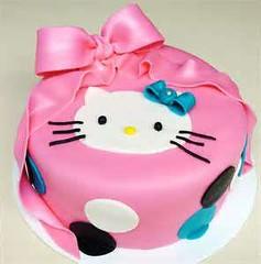 Hello Kitty Cake by Vanessa, Ellsworth, ME, www.birthdaycakes4free.com