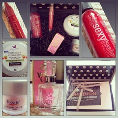 GlossyBox :) #may #glossybox #beauty #beautystuff #makeup #hair #skincare #instabeauty  Glossy Box tests et avis sur la box (passionthe) Tags: test paris les french la commerce box femme glossy beaut gift instant sa bonne discovery plaisir hommes femmes avis cadeau coffret choisir toutes glossybox cosmetique echantillons