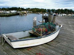 Skiff, buoys and lobster trap (Gwen 's) Tags: buoyant