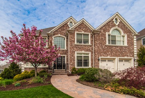 Real Estate Listing For Livingston, Nj- 6 Marisa Court Livingston, Nj. Take A Look At This Lovely 5 Bedroom, 5 Bath Home Listed At Just $1,429,000.