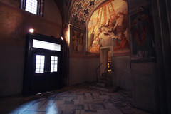 . (Nicol Panzeri) Tags: light italy milan church canon italia basilica milano wideangle chiesa grandangolo lombardia affreschi luce 1022 lombardy santambrogio frescoes canon1022 sambrogio basilicadisantambrogio canon450d nicolpanzeri