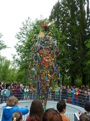 Wasserspiel Skulptur (mo_metalart) Tags: wasserspiel recyclingart schoolartproject recyclingkunst schülerkunstprojekt kinetischeskunstwerk