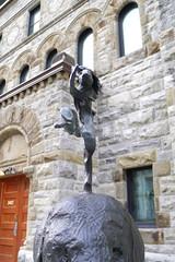art sculpture montreal canada publicart mbam mmfa muséedesbeauxartsdemontréal jardindesculptures barryflanagan gendrdietgendrdii elephant hare rabbit bronze creativecommons attribution