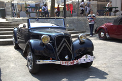 Citroën - Traction (Thethe35400) Tags: voiture carro coche car auto automobile cotxe bil vintagecars citroen bíll samochód carr