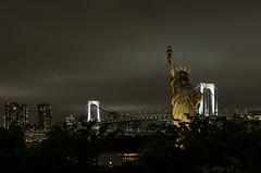 Statue of Liberty (beeldmark) Tags: city bridge japan night tokyo nacht 日本 nippon odaiba statueofliberty brug nihon stad rainbowbridge thisisnotamerica shalalalala beeldmark nothisisnot