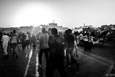 Place Jemaa El Fna, Fin d'après-midi, Marrakech / Jemaa El Fna Square, End of the afternoon, Marrakech (jaybles_69) Tags: africa people blackandwhite bw monochrome nikon noiretblanc outdoor crowd morocco maroc marrakech tamron1750 placejemaaelfna d5000