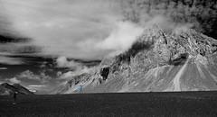 Lon Lagoon photographers 1 selected explored (Bilderschreiber) Tags: lon lagoon photographer fotograf tourist iceland island beach strand berg mountain landscape landschaft selected colours sw bw black white schwarzweis explore lónsfjör∂ur