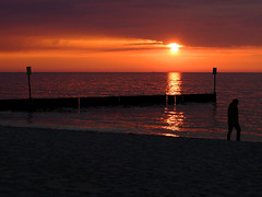 DSCF1224.jpg (alexkoz) Tags: sunset places woda kołobrzeg morze plaża plaa koobrzeg ozmroku