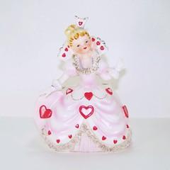 Relpo Valentine's Day Queen of Hearts with Ruffled Collar Planter (filigreefairy) Tags: relpo valentinesday queenofhearts planter madeinjapan ceramic figurine