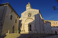 Pomeriggio di sole a San Quirico d'Orcia - Sunny afternoon in San Quirico d'Orcia (ricsen) Tags: italia italy toscana tuscany siena san quirico dorcia collegiata collegiate chiesa church