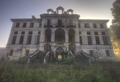 Abandoned villa  (12) (Arno G) Tags: pentax k5 urbex villa abandonn lieuabandonn hdr light sigma1020mmf35exdchsm italy maisonabandonne decay