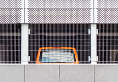 New Topo (Lunor 61) Tags: abstrakt minimal minimalismus minimalistic urban city new topographics facade fassade lines linien forms car orange white weis schwarz black
