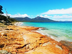 Hazard beach - Tasmania - Australia (pacoalfonso) Tags: pacoalfonsocom travel australia tasmania wineglass bay beach hazard landscape nature rock