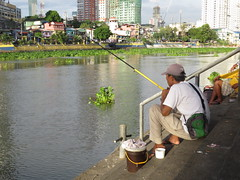 fishing recreational (DOLCEVITALUX) Tags: pasigriver river water fishing angling pasttime recreation philippines outdoor activity
