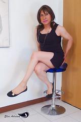 Short black dress, black flats, natural pantyhose. (Elsa Adriana) Tags: elsaadriana sexylegs flats tgirl travesti transvestite crossdresser