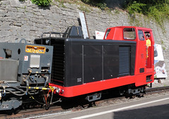 Brienz Rothorn Bahn, Switzerland - Class Hm2/2 Loco. No. 11 built in 1986 moves from Brienz Station to the depot with the summit waste train on the 13th September 2016 (trained_4_life) Tags: brienz switerland berneroberland berneseoberland brienzrothornbahn cograilway rackrailway diesellocomotive