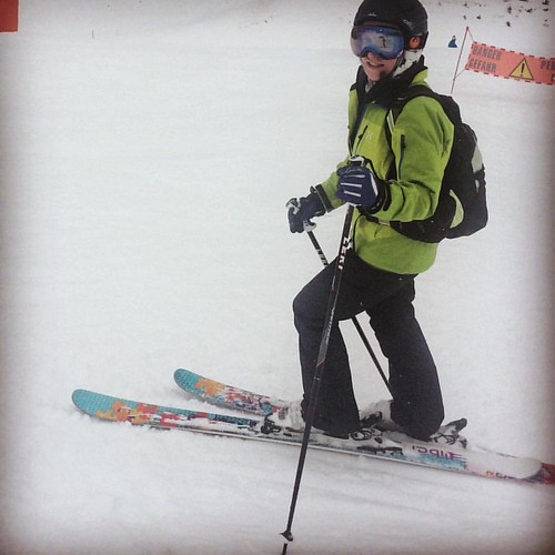 Julia on her favourite ever ski she doesn't have, #libertyskis Envy. Maybe next season, no pink so I can get her a pair!