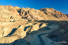 Palette Dry Wash (kevin-palmer) Tags: deathvalley nationalpark deathvalleynationalpark california mojavedesert november fall autumn clear sunny sunshine blue sky tamron2470mmf28 artistdrive drywash mountain blackmountains nikond750