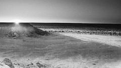 Amanece (JAVIER.HERRERA) Tags: old blackandwhite bw sun white mountain black blanco sahara nature evening sand desert natural dune negro paisaje arena morocco desierto duna montaa marruecos acacia javierherrera aidar