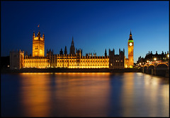 Houses of Parliament (nabilishes [on and off]) Tags: england london unitedkingdom dusk housesofparliament parliament bigben clocktower unesco bluehour palaceofwestminster parliamentbuilding westminsterpalace grosbritannien nabilishes nabilza