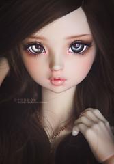 Odd eyed Elyse (TURBOW) Tags: asian doll caroline bjd resin superdollfie volks milky abjd elyse lorina balljointeddoll enchanteddoll sdgr sdgraffiti sd16 edeyes viridianhouse