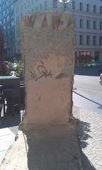 Piece of Berlin Wall, Westin Grand Hotel, Berlin - June 2012 (Pub Car Park Ninja) Tags: berlin beer june germany university die side grand des reichstag german segway alexanderplatz fernsehturm bier jews murdered friedrichstrasse house concert 2012 juden zu fr currywurst library tucher memorial tower june memorial ermordeten east james briggs gallery berlin museum wall humboldt dome tv europe berlin gate university bear cathedral bike bierbike revenge dom bunker holocaust bier brandenburg berliner checkpoint charlie altes denkmal westin 2012 europas hitlers holocaustmahnmal humboldtuniversitt rache papstes popes reichstag
