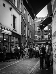 London, England (Ricardo_Santos) Tags: england london pub drinking afterhours
