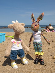 Georgia and Beulah on the beach, North Berwick, East Lothian, 7 Jul 13 (Castaway in Scotland) Tags: rabbit beach toy scotland seaside hare north olympus east giraffe berwick lothian jellycat e410