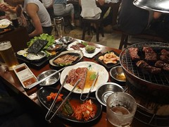 Let's Party!! @Horumon-Sakaba, Zhongshan-Park, Shanghai (Phreddie) Tags: china dinner happy japanese raw yum shanghai beef bbq meat grill eat barbecue liver offal restaruant horumon 130802