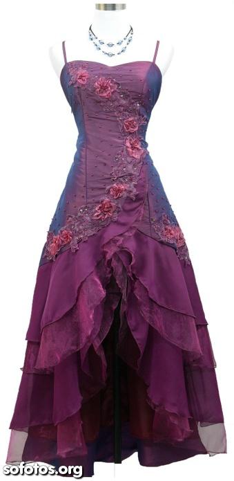 Vestido de festa bordado com rosas