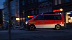 Notarzt Lübeck (OnkelKrischan) Tags: lübeck 112 feuerwehr rettungsdienst notarzt blaulicht