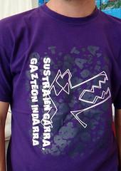 03 FIESTAS VITORIA 2013 - Poltica (Fotos de Camisetas de SANTI OCHOA) Tags: paisvasco juventud euskera
