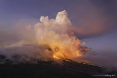 Eruption du piton de La Fournaise. (Frog 974) Tags: ngc mai 17 volcan 2015 pitondelafournaise cratre dolomieu ledelarunion ruption