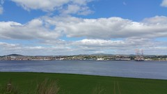 Dundee and River Tay from Tayport (Jimmy1361) Tags: rivertay fife dundee angus tayside tayport