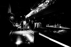 the last one (Hendrik Lohmann) Tags: dsseldorf df street streetphotography strassenfotografie strase menschen people nightshot night bars