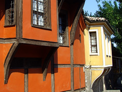 Old Plovdiv, Bulgaria - National Revival period architecture (johnnysenough) Tags: 62 oldplovdiv nationalrevivalperiodarchitecture plovdiv bulgaria bălgarija bulgarie bulgarien centraleurope пловдив 18th19thcentury balkanarchitecture historical travel vacation 100citiesx1trip snv37755