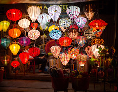 L'allum (Ye-Zu) Tags: hoian lampion lanterne night nuit rue street tourdumonde town vietnam ville worldtour tdm