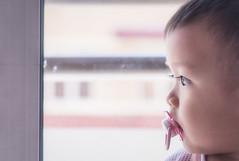 It's raining (Ah Wei (Lung Wei)) Tags: baby portrail family boy people nikonnikond750 nikon50mmf18g