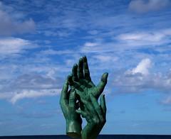 clamor (manuel.guerra) Tags: manos hands solidarity blue sky cielo azul together