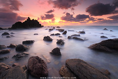 PEACEFUL CHAOS (II) (Obikani) Tags: meakoz bizkaia getxo berango barrika sea seascape landscape rocks wave longexposure sunset lighr cloud color colorful euskadi basquecountry