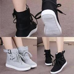 ลมหนาวมาแล้วนะ.กับรองเท้าผ้าใบหุ้มข้อ สไตล์เกาหลี ด้านในเป็นผ้านุ่มๆใส่สบายมากคร้า มาพร้อมพื้นยางกันลื่นอย่างดี ใส่ไปเที่ยวหน้าหนาวได้เลยจ้าาา พร้อมส่งๆๆๆ      B818     ขนาด : ปกติ     Size : 36-40     Color : Black Grey  ราคา 490฿