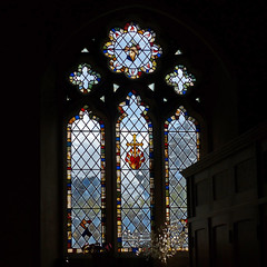 Bathford, Somerset, St Swithun (Tudor Barlow) Tags: bathford somerset somersetchurches england churches parishchurch listedbuilding gradeiilistedbuilding stainedglass autumn lumixfz200