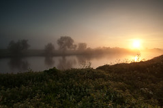 Sunrise over the River Trent (djshoo) Tags: nottingham england sunlight mist water sunrise river landscape dawn glow newark rivertrent wideanglelens sigma1020 leefilters nikond90