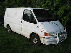 OCTOBER 1997 FORD TRANSIT 80 VAN 2496cc R569KUB (Midlands Vehicle Photographer.) Tags: ford october transit 1997 van 80 2496cc r569kub
