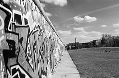 Berlin East Side Gallery (chitrmacher) Tags: berlin film clouds 35mm rodinal redfilter selfdeveloped rokkor minoltasrt303 hoya25a kodaktrx400