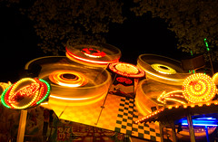 Fair ride in motion (Nils Croes) Tags: longexposure light motion exposure ride fair bruges 1740mm inmotion lightinmotion fairride 60d