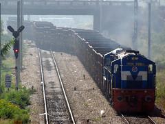 IMG_2204 (jimmystrains) Tags: electric diesel bangalore trains indianrailways irfca yeshwantpur