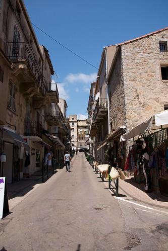 "Bonifacio Korsika - 3 <a style=""margin-left:10px; font-size:0.8em;"" href=""http://www.flickr.com/photos/64662496@N00/9075515162/"" target=""_blank"">@flickr</a>"