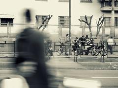Colectivo Popular (Ariane Madriz) Tags: people blancoynegro photography calle foto gente venezuela caracas vida caos moto caminar popular ccs realidad mototaxi expresion arianemadriz estacionmaternidad