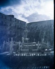 (veri_land) Tags: light sun 120 film fountain holga lomography culture piazza palermo pretoria sicilia sensia pellicola